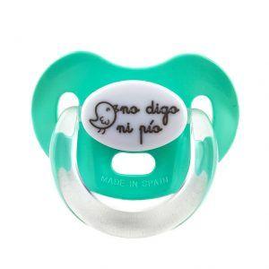 """Chupete para bebés recién nacidos en color turquesa con el mensaje grabado de """"no digo ni pio"""""""