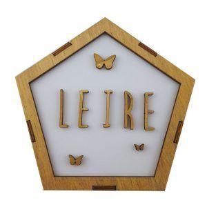 lámpara quitamiedos de madera personalizada con el nombre