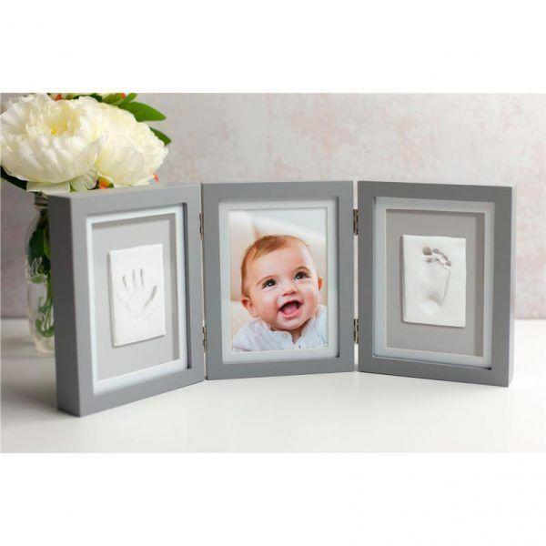 Marco gris de mesa para foto y huellas del bebé